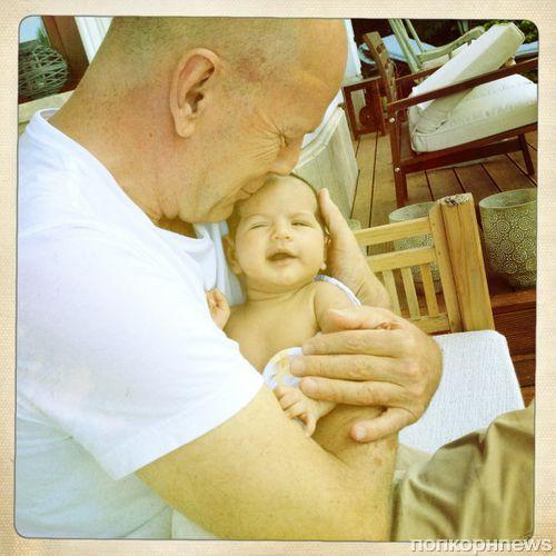 Брюс Уиллис показал свою младшую дочь