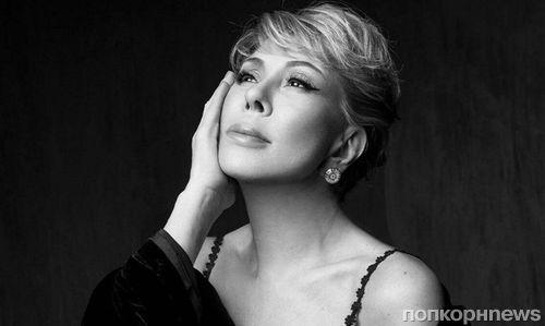 В мини-юбке и леопардовых ботфортах: 65-летняя Любовь Успенская удивила откровенным образом