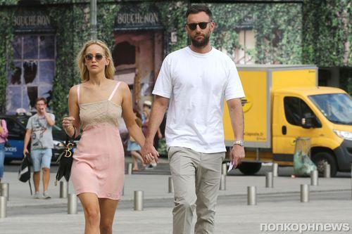 Дженнифер Лоуренс с бойфрендом отправилась в романтическое путешествие в Париж