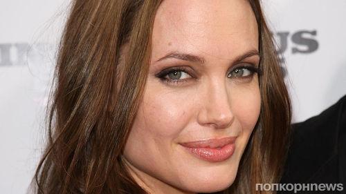 Анджелина Джоли согласилась засекретить бракоразводные документы