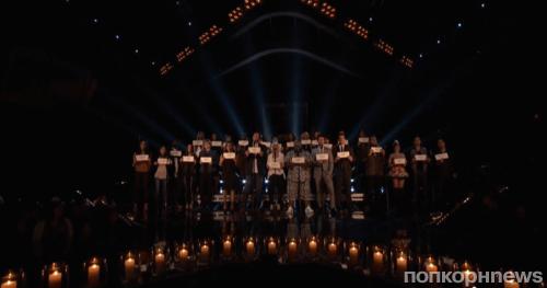 Звезды шоу The Voice почтили память погибших в трагедии в школе Сэнди-Хук