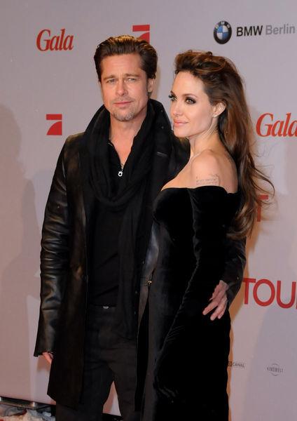 Анджелина Джоли: дети не дают нам спать в одиночестве