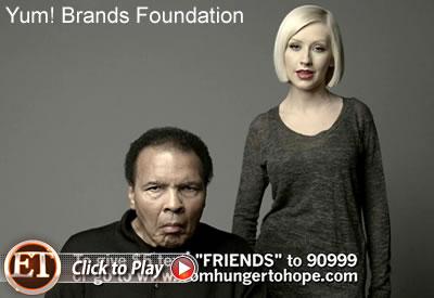 Мухаммед Али и Кристина Агилера призывают помочь Гаити