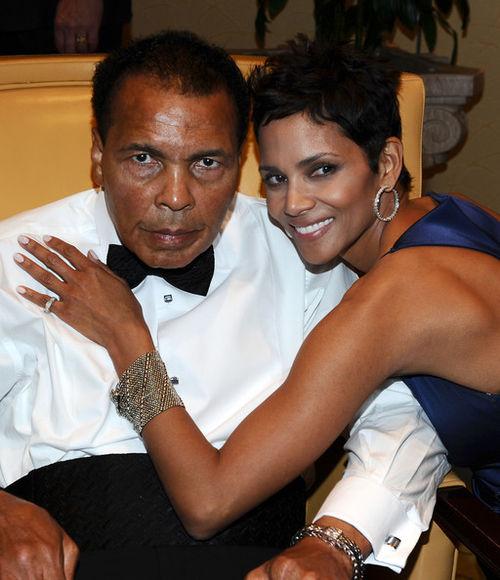 Халли Берри на вечере Muhammad Ali's Celebrity Fight Night