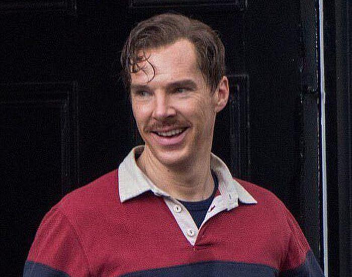 Бенедикт Камбербэтч щеголяет в шортах на съемках фильма «Железная кора»