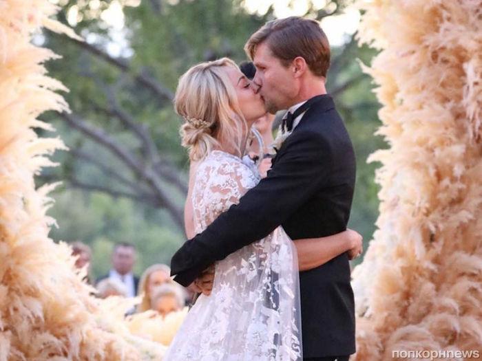 На изготовление свадебного платья Кейли Куоко потребовалось 400 часов