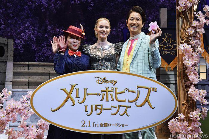 Фото: Эмили Блант привезла «Мэри Поппинс» на премьеру в Японию