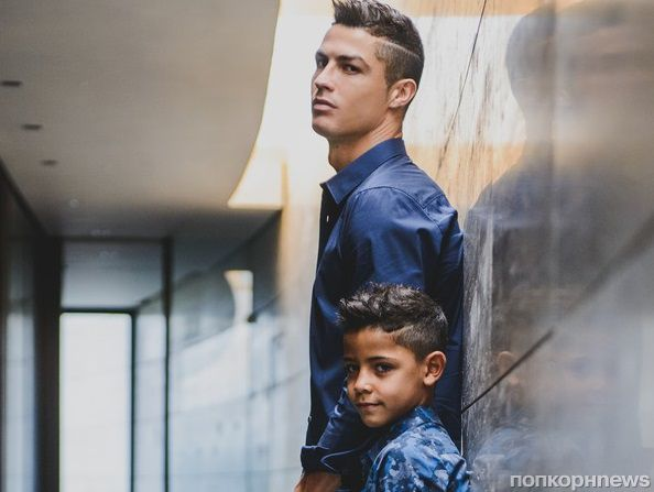 Криштиану Роналду с семилетним сыном снялся в рекламе джинсов