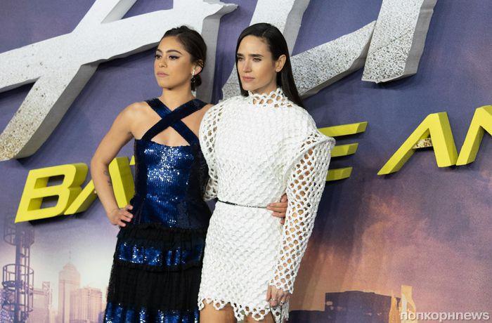 Фото: Роза Салазар и Дженнифер Коннелли на премьере фильма «Алита: Боевой ангел» в Лондоне