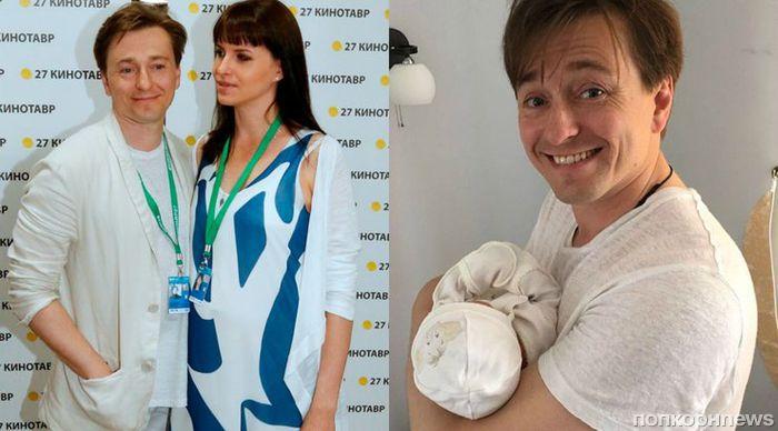 Сергей Безруков показал, как его дочь нянчится с новорожденным братом