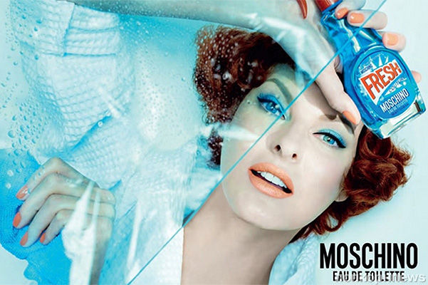 Moschino выпускают духи во флаконах от  стеклоочистителя
