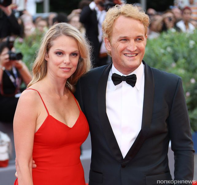 Церемония открытия: звезды на красной дорожке Венецианского кинофестиваля