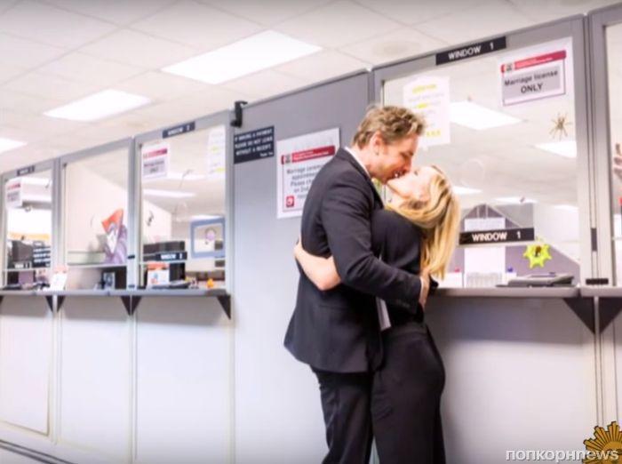 Кристен Белл и Дакс Шепард впервые показали фото со свадьбы