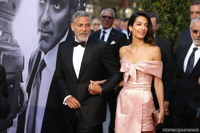 Джордж и Амаль Клуни опровергли слухи о разводе, вместе появившись на вечеринке Дженнифер Энистон