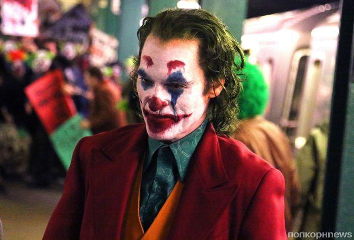 «Улыбнись!»: Хоакин Феникс в дебютном трейлере фильма «Джокер»