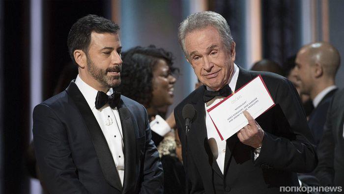 Падение Дженнифер Лоуренс, перепутанные конверты, голый мужик на сцене и другие конфузы «Оскара»