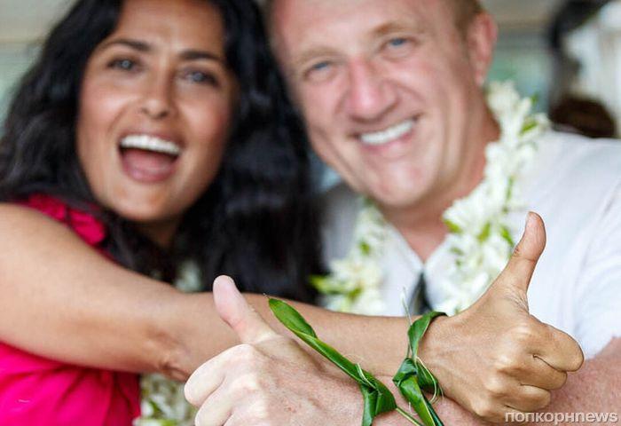 Сальма Хайек с мужем обновили свадебные клятвы повторной церемонией