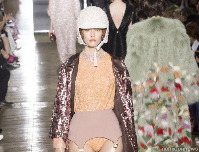 Модный показ Ulyana Sergeenko Haute Couture, осень / зима 2017