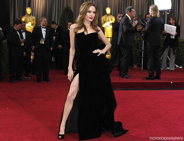 «Нога Анджелины»: 20 звезд, которые копируют знаменитую «позу Джоли» на красной дорожке