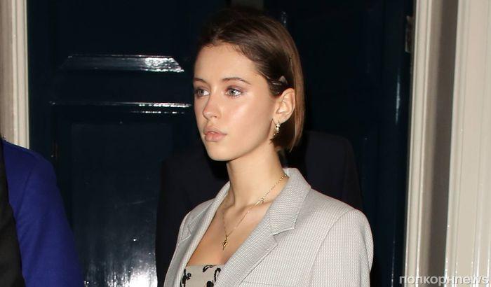 Фото: 17-летняя дочь Джуда Лоу стала звездой вечеринки в Лондоне
