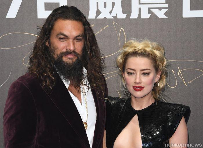 Эмбер Херд удивила откровенным декольте на премьере «Аквамена» в Китае
