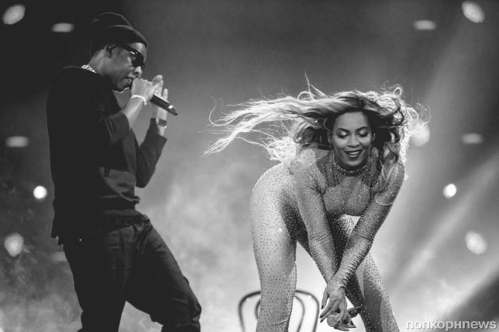 Видео: Бейонсе и Джей Зи устроили откровенные танцы на сцене