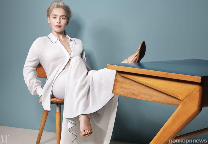 Эмилия Кларк снялась в фотосете для летнего выпуска Vanity Fair