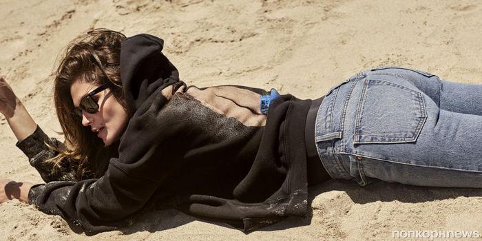 Синди Кроуфорд возвращает моду на девяностые в рекламе собственной коллекции денима