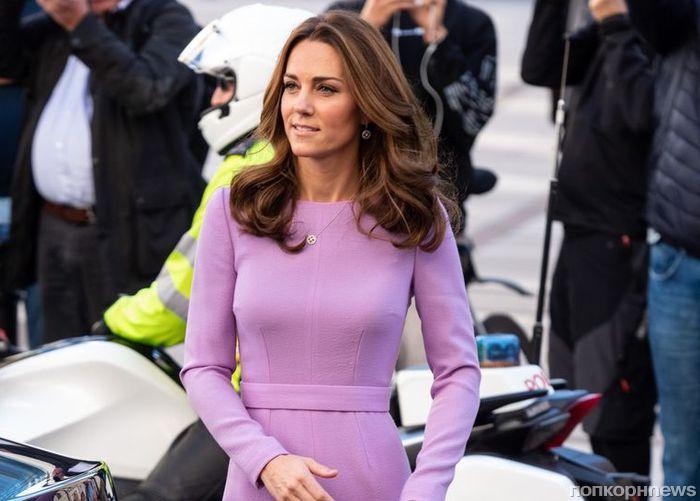 Вернулась в форму: Кейт Миддлтон вышла на публику в платье, которое носила до третьей беременности