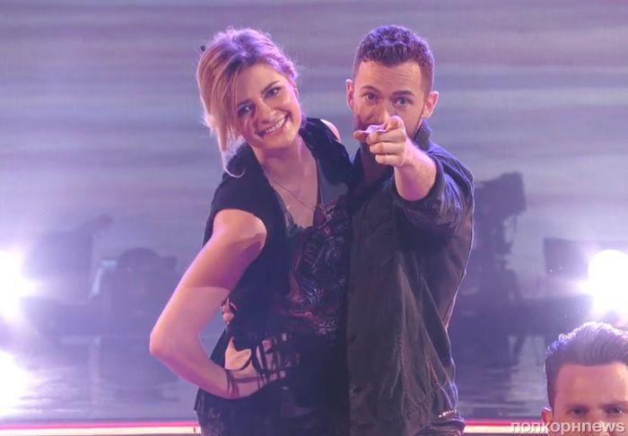 Видео: Миша Бартон и Артем Чигвинцев исполняют самбу на шоу «Танцы со звездами»