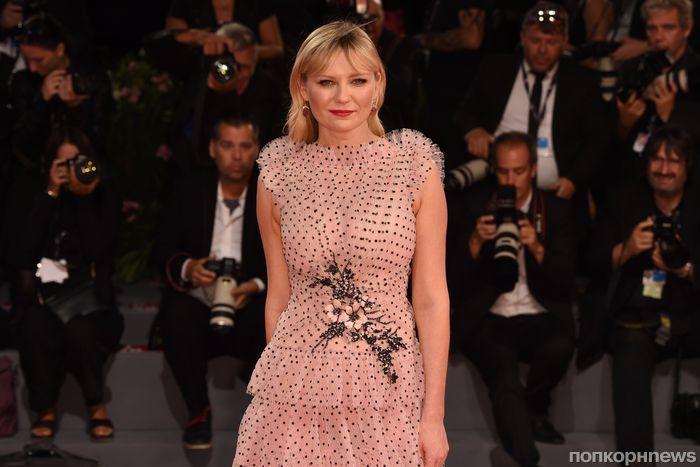 Кирстен Данст представила фильм «Вудшок» на красной дорожке Венецианского кинофестиваля