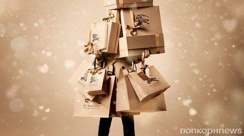 Burberry создадут рождественскую елку для Claridge's