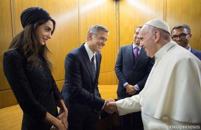 Джордж Клуни, Ричард Гир и Сальма Хайек получили награды от Папы Римского