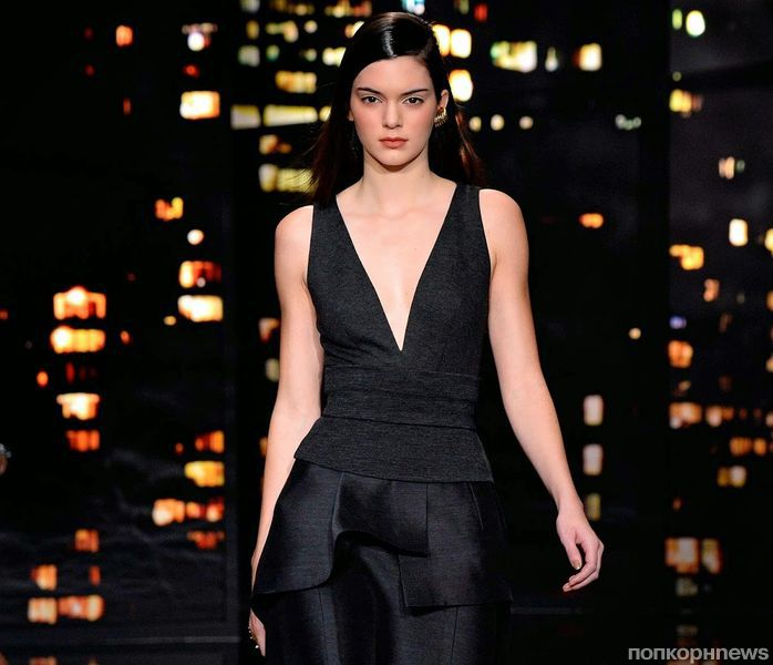 Модный показ новой коллекции Donna Karan. Осень / зима 2015-2016
