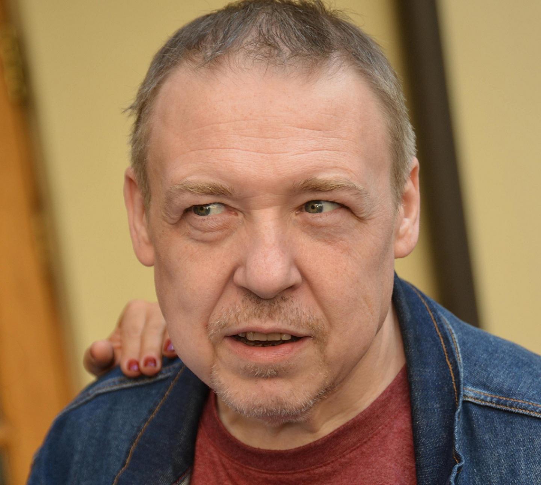 Между двух огней: Александр Семчев чуть не умер похудев на 100 кг