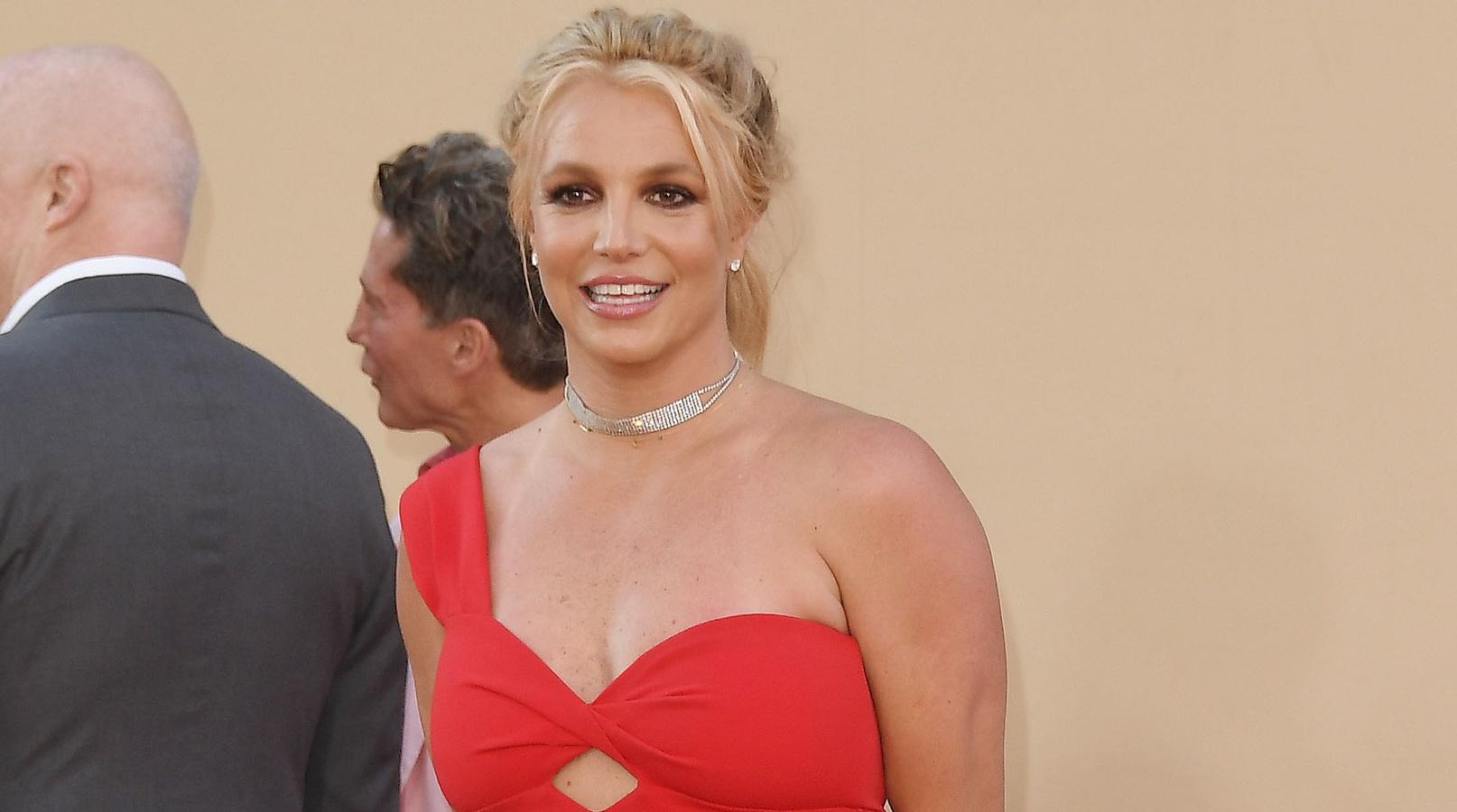 «Слишком поздно»: Бритни Спирс удалила Instagram после помолвки