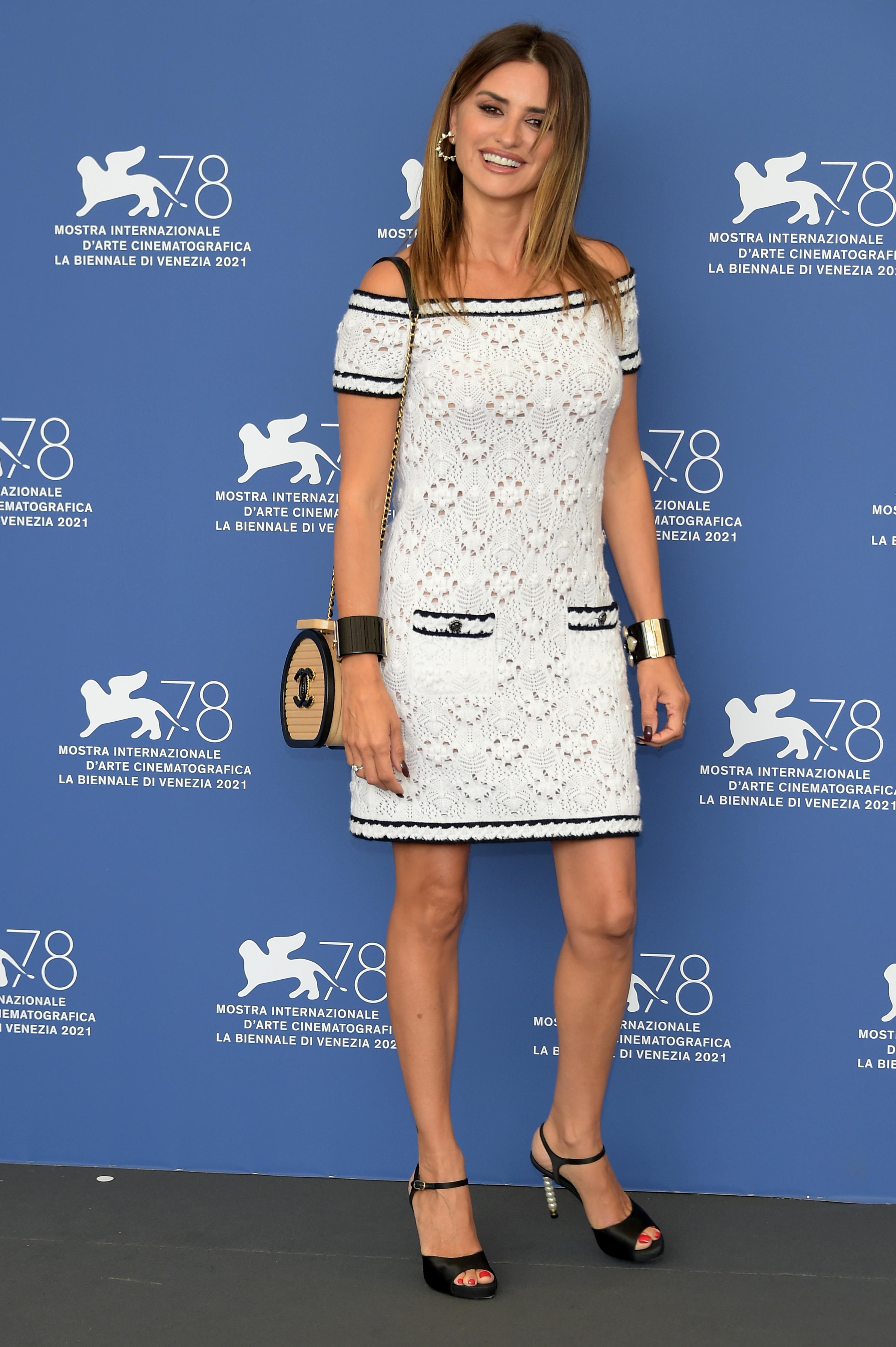 47-летняя Пенелопа с головы до пят была одета от Chanel.